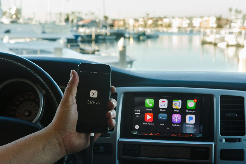 10 Things to Know About Apple CarPlay - Connected Car Life