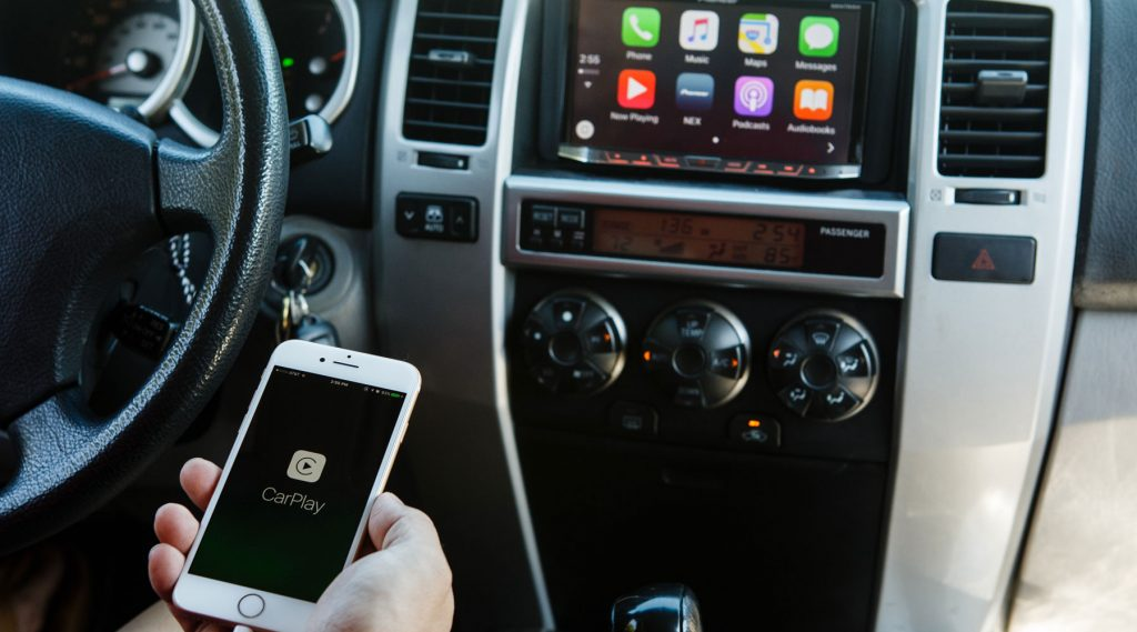 Everything You Need To Know About Apple CarPlay